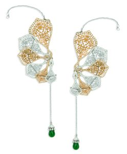 ORRA Japanese styled folding fan earrings - Open image